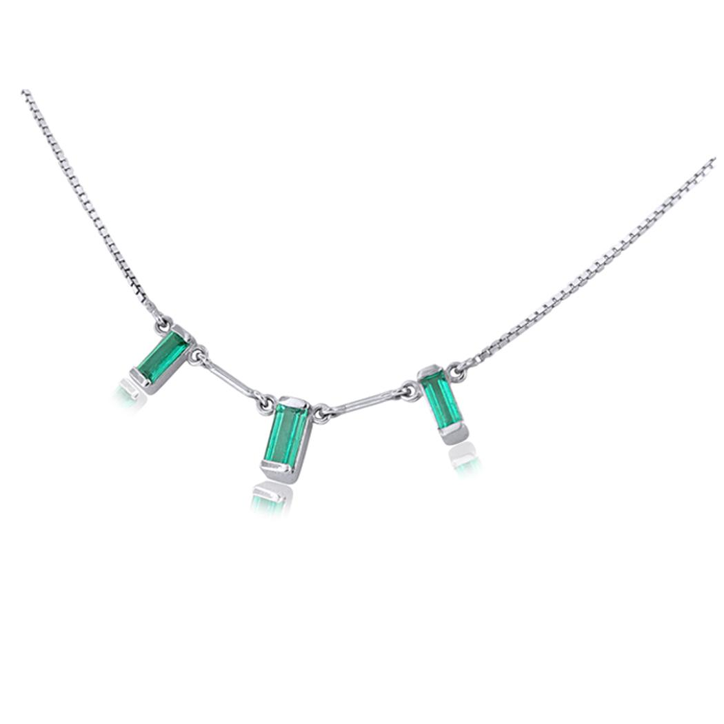3 stones emerald necklace in 18K white gold and emerald cut emeralds