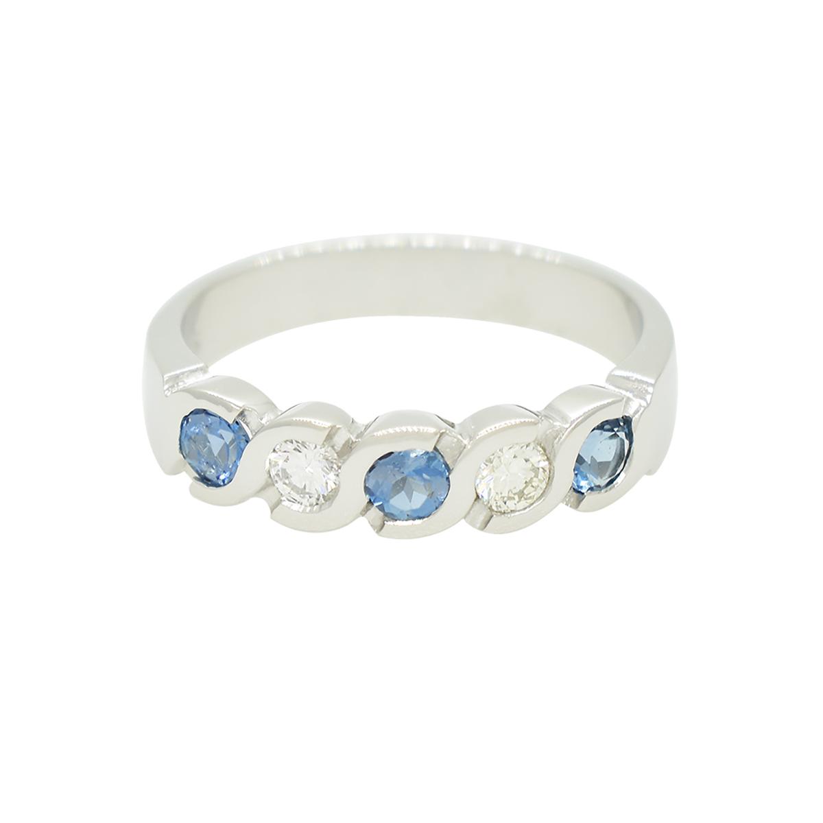 aquamarine-and-diamond-wedding-ring-band-in-18k-white-gold-bezel-setting-