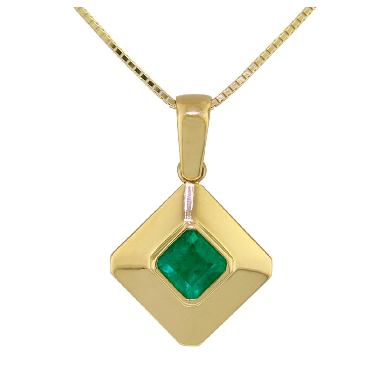 18k-gold-bezel-setting-solitaire-pendant-with-square-natural-emerald