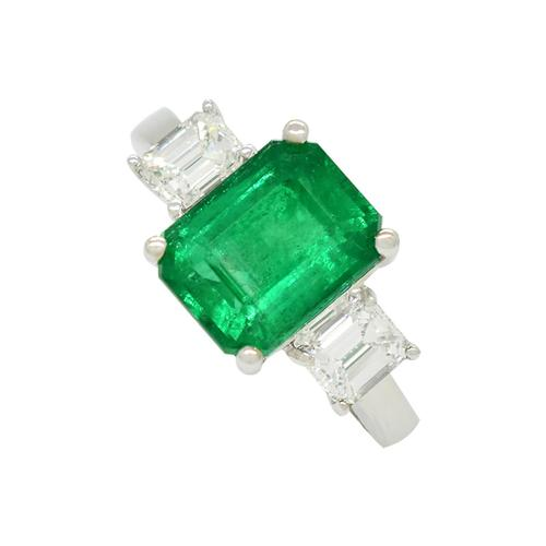 Emerald Ring in 18K White Gold With Emerald Cut Diamonds in 3 Stones Style