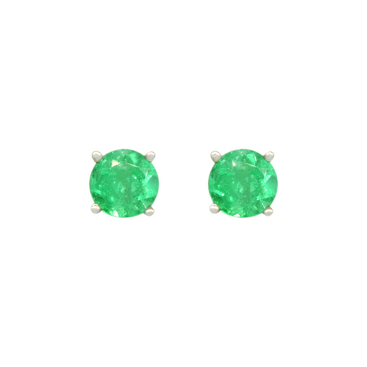 emerald-stud-earrings-in-18k-white-gold-classic-prong-setting