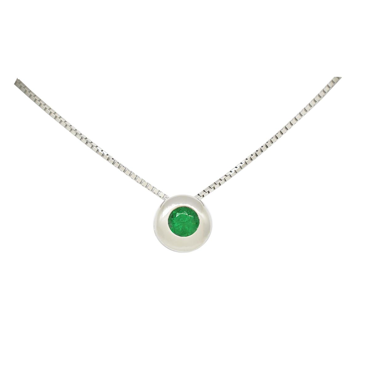 solitaire-emerald-necklace-in-18k-white-gold-with-round-emerald