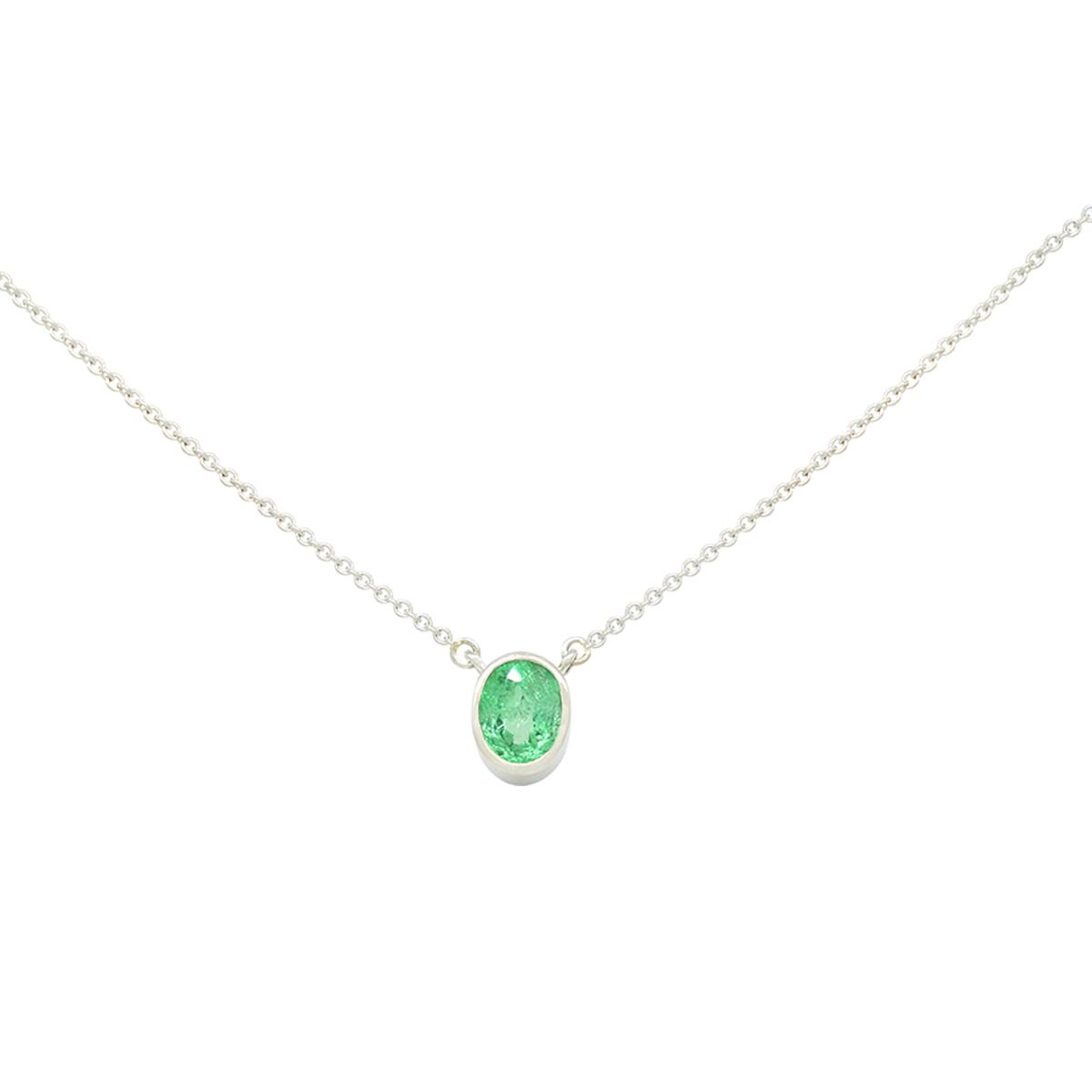 small-bezel-setting-solitaire-emerald-necklace-with-oval-shape-natural-emerald