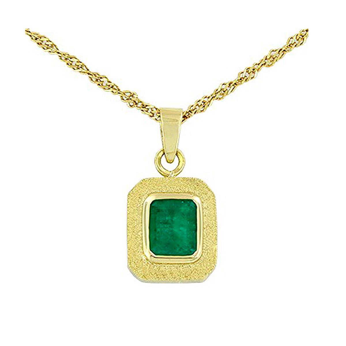 emerald-cut-emerald-pendant-in-18k-yellow-gold-bezel-setting
